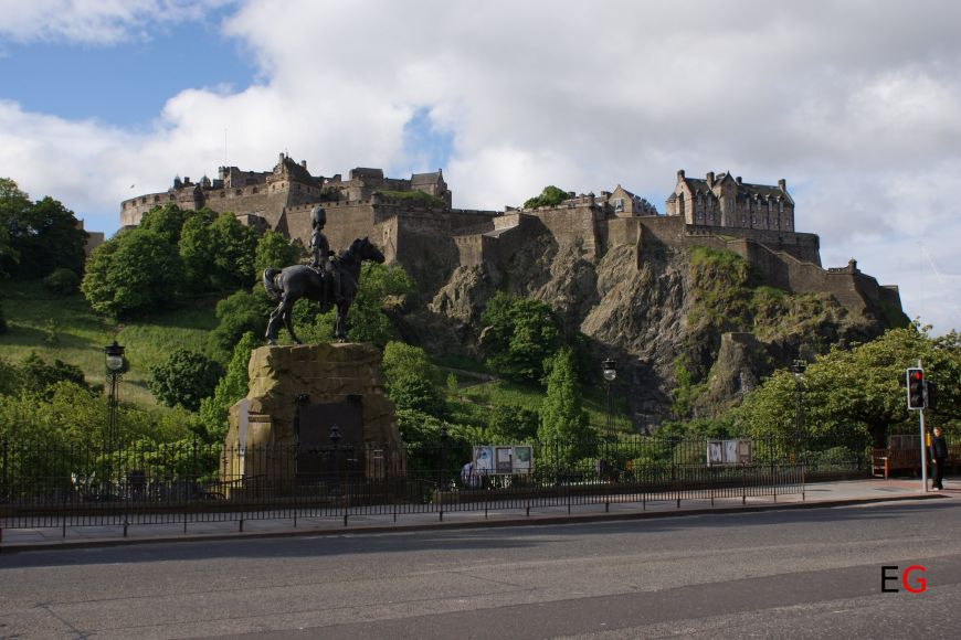 Edinburgh Castle from Prince Street