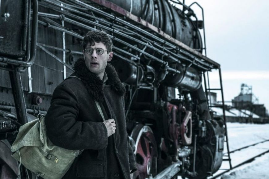 Gareth Jones (James Norton) arriving in Soviet Ukraine.